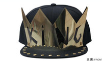 Wholesale Metal Plate King Baseball Caps Adjustable Hats Snapback Rivet Hats Spike Studs Cap Punk Style Unisex Hiphop Cap Punk Style Men Hiphop Hats