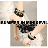 Wholesale promotion young people punk style rivet white black leather slap snap bracelets fashion lovely wrap cuff jewelry