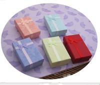 al por mayor regalo de exhibición de la joyería-5 * 8 * 2.5cm caja de cajas de regalo de embalaje de visualización de la moda de joyería de 5 colores, caja colgante, pendientes caja de color 48pcs / lot al azar