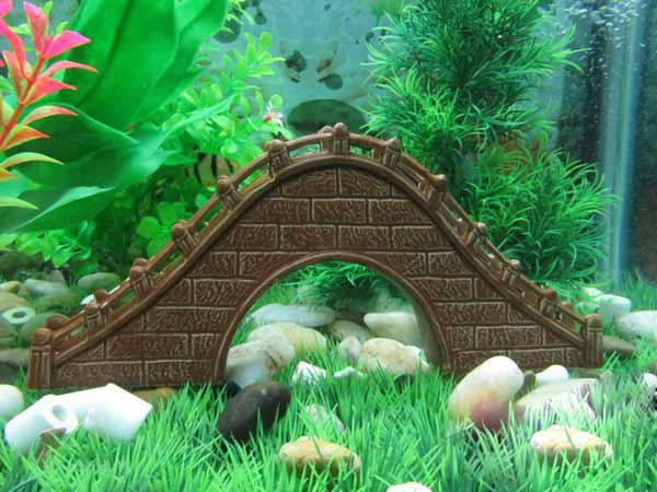 Pictures of fish tank decoration ceramic large size for Aquarium bridge decoration