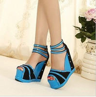 Wholesale New arrival fashion peep toe banquet sexy princess genuine luxury rivets foam bottom mesh wedge sandals EU35
