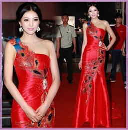 Wholesale Sexy Leather Jackets Fur - Fashion One-Shoulder Satin Red Chinese Embroidery cheongsam Dragon Phoenix party dress,Lady party Long Training Prom evening Dresses