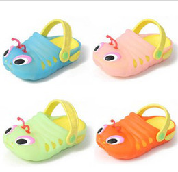 Wholesale New Kids sandals Baby summer hole shoes Cute carpenterworm casual shoes Jelly shoes pairs