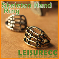 Wholesale The retro skull claw hand bones punk style ring ring