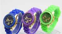 Wholesale of the most popular silicone color quartz watches teenagers color