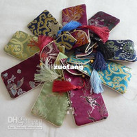 Wholesale Cheap Eyeglass Cases Slim Glasses storage bags Silk Cloth Tassel Spectacle pouches mix color