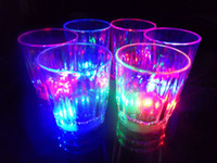 Crystal acrylic drinking glasses - Brand new Flashing Rocks Glass Barware Lamp Colorful LED Cup flash cup flash beer mug drink cup cola cup pineapple Acrylic Cup box