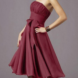 Wholesale In STOCK Cheap Purple Or Blue Burgundy Pleated Chiffon Strapless Knee Length Wedding Party Dresses Cocktail Dress Homecoming Gown RL920