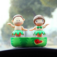 Wholesale Happy Dancing Couple Solar Powered Dancing Hula Dolls Car Home Cute Office Desk Decor Valentine s Gift Worldwide
