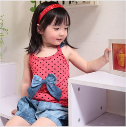 Wholesale sets Baby Girl fashion clothing set Cute bowknot dots vest