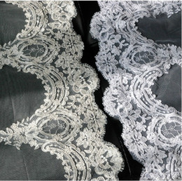 Wholesale Hot Sale Bridal Lace Edge Layer Bridals Veils Chapel Train Wedding Veil
