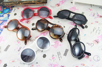 Wholesale Vintage PC Hollow Arrow Design Sunglass Round Frames Colorful Frames Women Mens Fashion Sunglasses