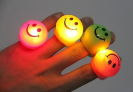 Free Ship 50pcs Mixed Colors Led Smiling Face Led Light Up Flashing Bubble Elastic Ring Rave Party Blinking Soft Finger Lights
