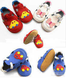 Wholesale 2013 toddler squeaky shoes Sandals Baby Squeaky Shoes White Leather Summer Sandals