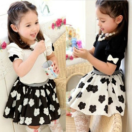 Wholesale Children Summer girl cute black and white skirt t shirt sets set dandys