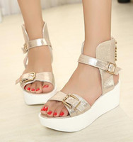 Wholesale New women sandals Street Fashion Gold Rivets Platform low heels ladies flat gladiator sandal shoes