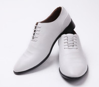 Wholesale groom dancing shoes Soft face wedding white shoes Cuspate style The gentleman men s shoes work shoes Dress shoes quality leather