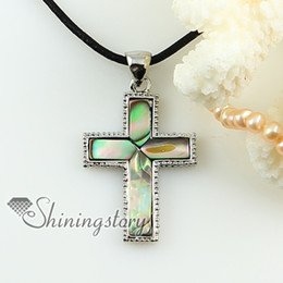 Wholesale Christian cross pink oyster rainbow abalone sea shell mother of pearl pendants for necklaces Fashion pendants jewelry Mop1576cy0