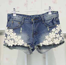 Wholesale New Style Women s pearl Lace flowers jean shorts washed ripped punk rivet Denim short pants