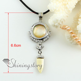 round knife rainbow abalone yellow oyster sea shell mother of pearl rhinestone pendants for necklaces Fashion pendant necklace Mop1596cy0