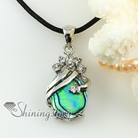 Wholesale oval teardrop rainbow abalone sea shell rhinestone mother of pearl pendant necklace Fashion jewelry
