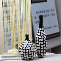 Wholesale Modern ceramic black and white vase decoration crafts home decoration fashion brief