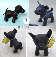 al por mayor el perro relleno chihuahua-Cute Chihuahua Nueva Plush PU Negro De Cuero De Juguete De Juguetes Muñeca Juguete De Relleno Hecho A Mano Los Mejores Regalos Para Niños H-19 CM