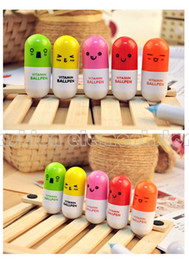 Wholesale Min Order x Capsule Novelty Ball Point Pens Smiling Face Tablet Pill Vitamin Ball Pen Different Colours