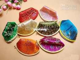 Wholesale Pretty Mini Zipper Weddings Candy Favors Bags Silk Fabric Shell Shaped Gift Pouches mix Color