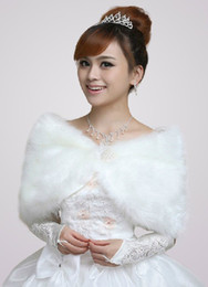 Wholesale Beautiful Ivory Faux Fur Bridal Wedding Shawl asymmetrical u6 dQ4
