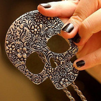 Wholesale N161 Fashion Gothic Lovely Skull Necklace Jewelry