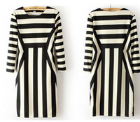Round Knee Length A Line New Brand Women's Clothing, European Style Black and White Streak 7 Minutes Sleeve Show Slim Dress