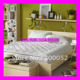 Wholesale 100 mulberry silk filled mattress pad topper white cotton cover CM