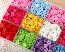 Wholesale 100pcs mm sweet love heart holes resin buttons lovely baby DIY doll sewing scrapbook craft Cardmaker Costume design