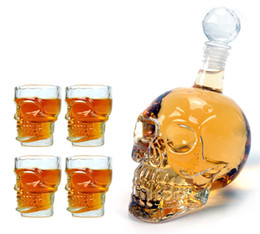 Wholesale 1pcs ml Crystal Skulls Vodka Bottles Skull Cups Funny Wine Set Creative Winebottle And Cup Valentine s Day Gift Y4010B Y4013B