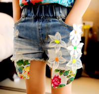 Wholesale Girls summer fashion denim shorts children high quality flower personality washed denim jeans kids popular hot pants lcagmy