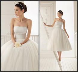 Wholesale 2013 Beach Wedding Dresses In Stock Casual Custom Made Modern Strapless Hand Made Flowers Ball Gown Tulle Ivory White Knee Length Bridal