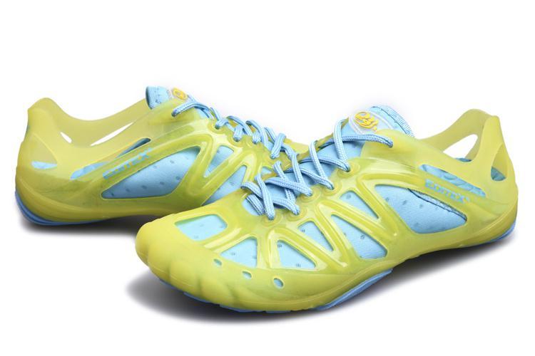 2013 latest women hiking shoe outdoor water shoe good flexible tpu