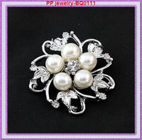 Wholesale Factory Cheap Silver Tone Rhinestone And Pearl Flower Brooch Pins BQ0111