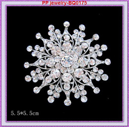 Fashion brooches Luxury Banquet Accessories silver plated Flower Brooch jewelry Charm rhinestone brooch pin for women brooches