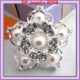 Silver Glamour Beautiful Quality Diamante Brooch Cake Wedding Pins B556