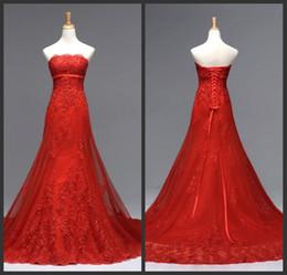 Elegant Fashion A Line Strapless Chapel Train Red Organza Appliques Lace Wedding Dresses Empire Waist Wedding Gowns Lace Up Bridal Dresses