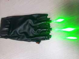 Wholesale Laser Gloves Stylish LED Glowing Glove LED Costume Clothes Cool Party Props Popular Clubwear V Red and Green Available Latest Fashion