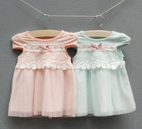 Wholesale Summer Korean Baby Girls Bowknot Pearl Flowers Smocked Lace Ruffles White Pink Cotton Dress Girls Princess Party Plain Dresses B0583