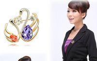 Wholesale Luxury women Alloy Rhinestone Animals Swan Brooch Crystal Pins Breastpin Bridal Wedding Jewelry crystal diamond brooches