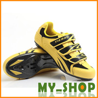 Wholesale Road Cycling Shoes Pair Mesh PVC Men Size Color Seasons Available Free Shiping Sports Equipments