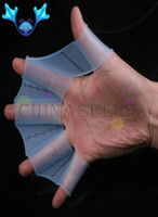 Wholesale swimming fins for hands silicone swim sailor webbed palm flying fish webbed gloves swimming gloves swimming equipment sizes choosing