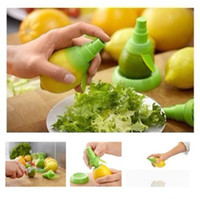 Wholesale 2pcs Citrus Sprayer Fruit Orange Lemon Mist Sprinkling Extractor Juicer Sprayer