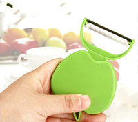 Wholesale Portable fruit Peeler Kitchen Tools apple shape Fruit Peeler Folding Fruit peeler apple pear