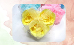 Wholesale 3Pcs in a box washing cleaning bath rose Flower paper petals soap heart shape rose flower soap Wedding Party gift box